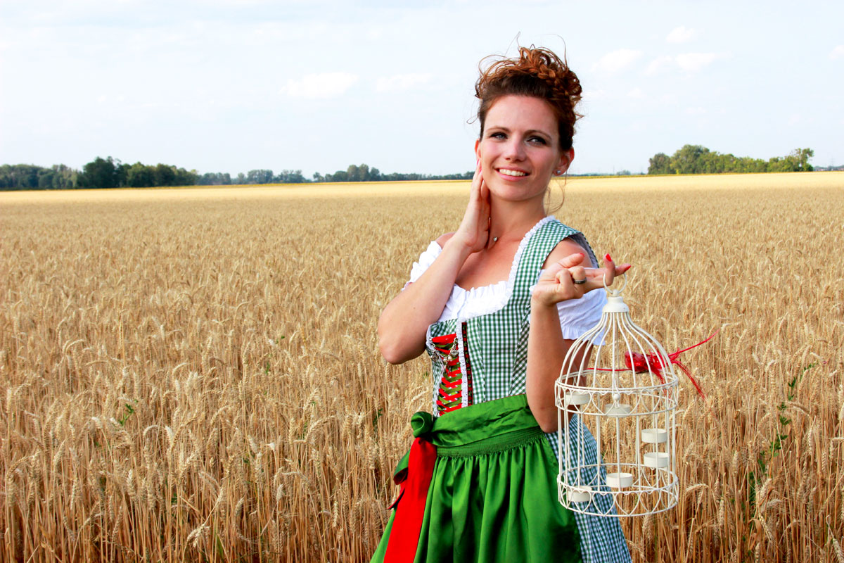 Dirndl-Fotoshooting by Emmanuelle Wood